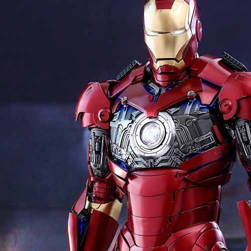 Iron Man Mark III Deluxe Hot Toy - Chest Exposed