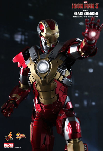 1/6 Scle Iron Man Mark XVII by Hot Toys