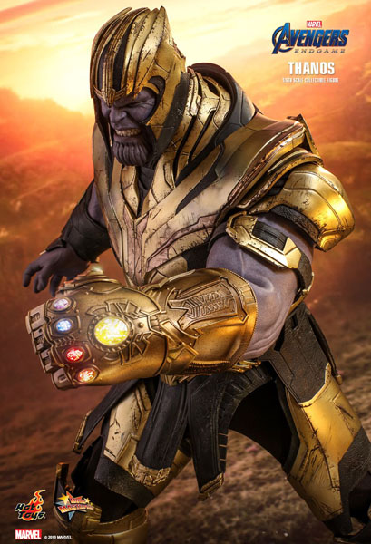 Avengers Endgame Thanos with Infinity Gauntlet