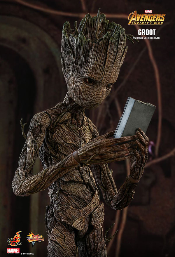 Infinity War Groot Hot Toys with Hand Held Game