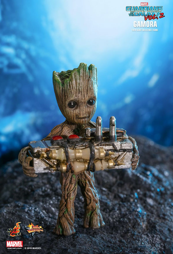 Miniature Baby Groot holding a bomb comes with the Gamora Hot Toys