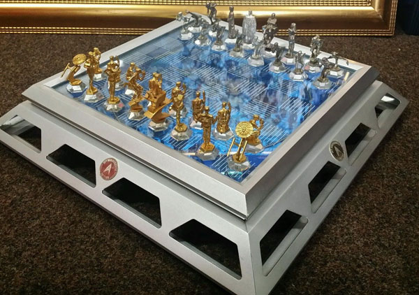 Star Trek 25th Anniversary Chess Set