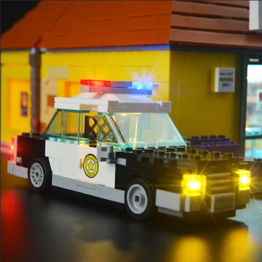 Chief Wiggum's police in The Simpsons Lego Kwik-E-Mart