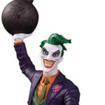 The Joker Rogues Gallery Statue