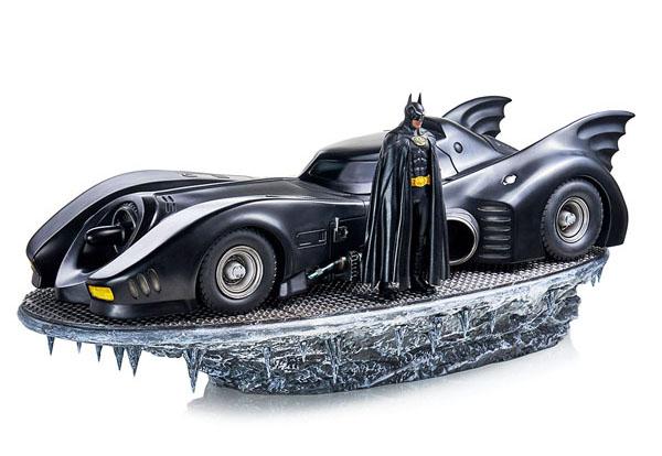 Batman & Batmobile Deluxe Collectible Set Iron Studios DC Comics Statues