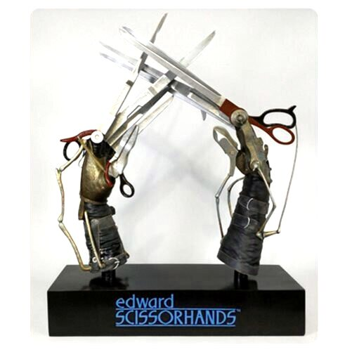 Edward Scissorhands: Scissorhands Prop by Hollywood Collectibles Group