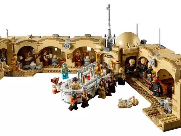 LEGO Mos Eisley Cantina 75290 Interior