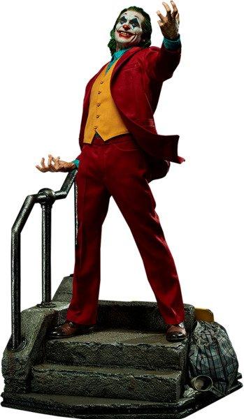 Joaquin Phoenix as Arthur Fleck in The Joker 1:3 Scale Statue by Prime 1 Studio