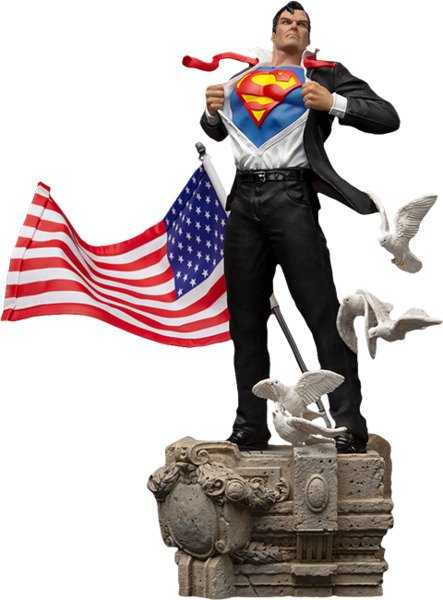DC Comics Clark Kent Statue by Iron Studios