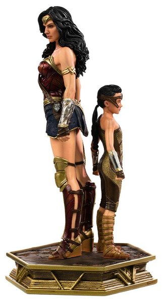 Wonder Woman & Young Diana Statue by Iron Studios